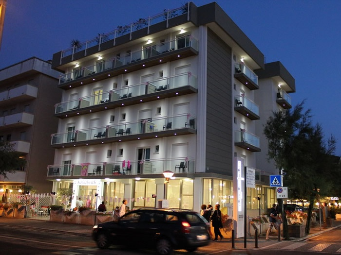 Offerte giugno in hotel 3 stelle augustus di misano - Hotel misano adriatico con piscina ...