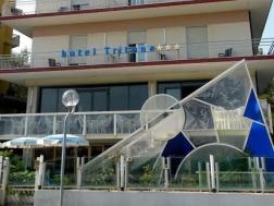 hotel-tritone