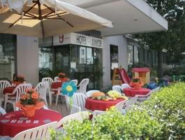 hotel-junior-marina-centro-rimini