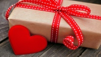 Valentines-Day-Gift-Trends-Then-and-Now